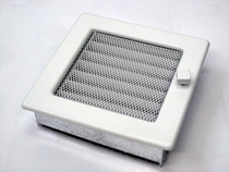 Решетка вентиляционная 17х17 белая с жалюзи KRATKI (Польша)
